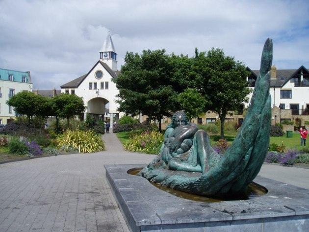 Sculpture_near_Malahide_Marina_-_geograph.org.uk_-_1363928